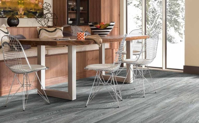 Laminate Flooring Kitchen Table Setup